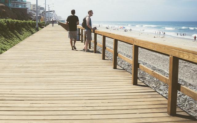 sea-beach-vacation-people