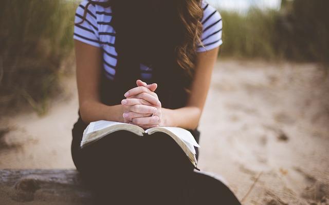 [GIVEAWAY] 3 Ways Ministry Leaders Can Help Teenage Girls Practice Prayer