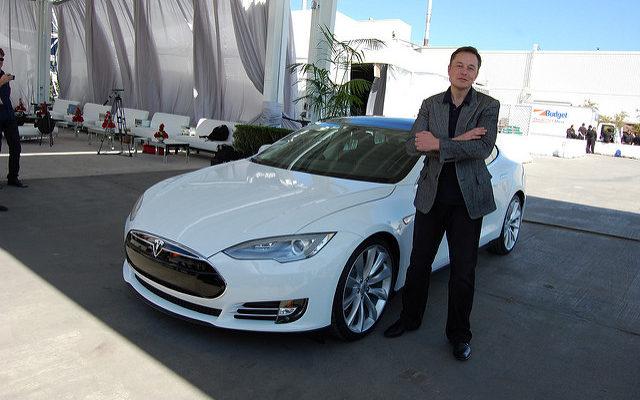 4 Common Leadership Traits in Steve Jobs, Jeff Bezos, and Elon Musk